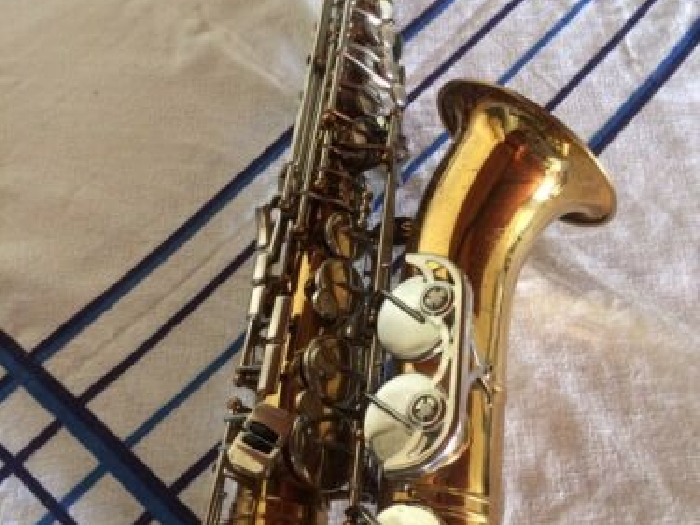 SAXOPHONE ALTO BS made in rda