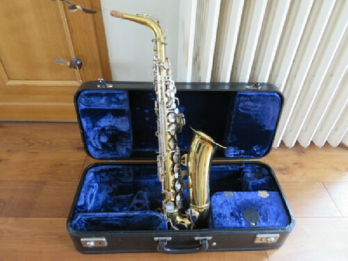 American King alto saxophone in good condition