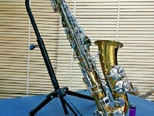 ancien saxophone soliste marque WELTKLANG avec son support
